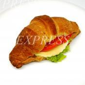Мини-круассан с сыром Моцарелла, помидорами и зеленью фото